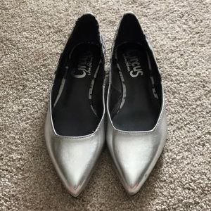 Never worn Circus by Sam Edelman silver flats